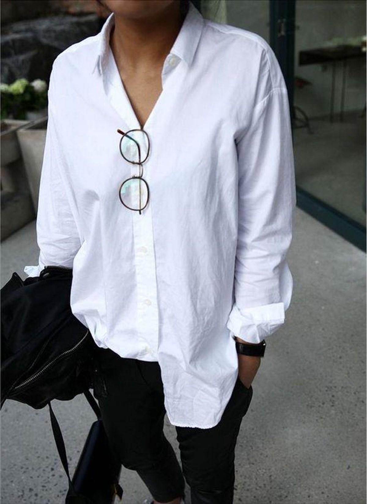 0ed813d8d51b ... δεν έχει ηλικία, μόλις το φορέσεις και στρώσεις το γιακά, βλέπεις  αυτομάτως πώς φωτίζεται το πρόσωπό σου. Η Cate Blanchett το προτιμά για όλες  τις ...