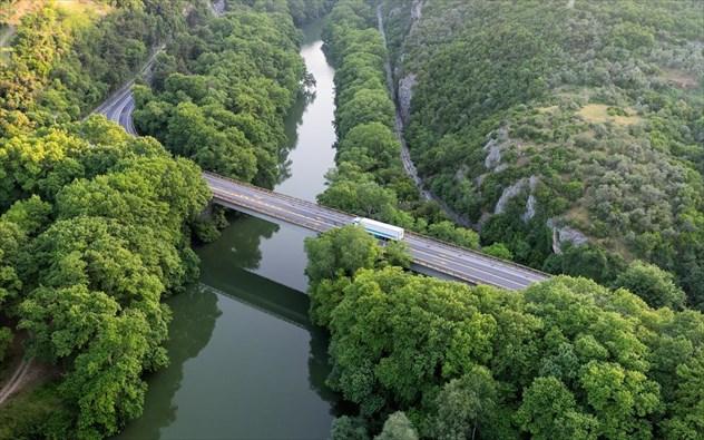 Κάνουμε φθινοπωρινή βόλτα σε 8 ποταμούς της Ελλάδας