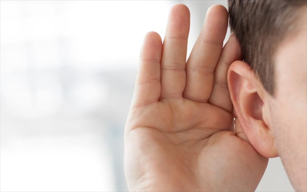 auti 1 7 τρόποι με τους οποίους κάνετε κακό στα αυτιά σας