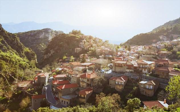 5 όμορφα χωριά της Ελλάδας σας συστήνονται και σας προ(σ)καλούν