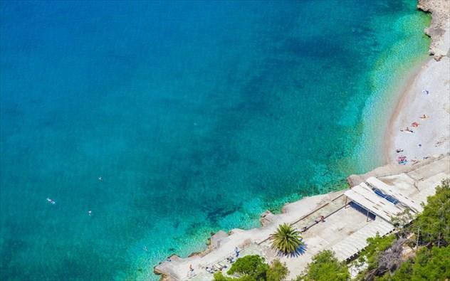5 υπέροχες παραλίες κοντά στην Αθήνα... για να ξεκινήσεις τα μπάνια σου τώρα! (photos)