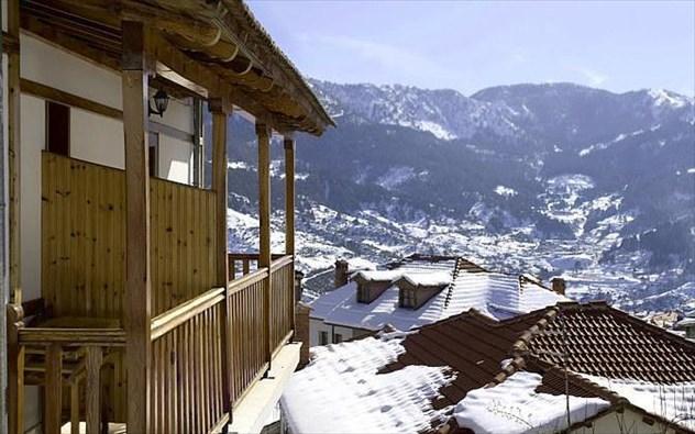 Τέσσερις ξενώνες για... ορεινά Χριστούγεννα