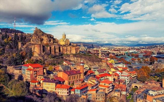 8 ευρωπαϊκές πόλεις βγαλμένες από παραμύθι και άγνωστες στους τουρίστες (Photos)
