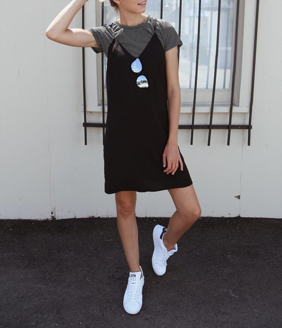Φοράμε το σατέν φόρεμα αλλιώς  b8a22e6f101