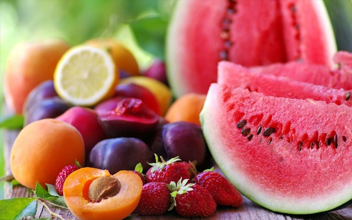 0fecb2e7dd5 Πώς μπορούμε να κάνουμε φυσική αποτοξίνωση με καλοκαιρινά φρούτα ...