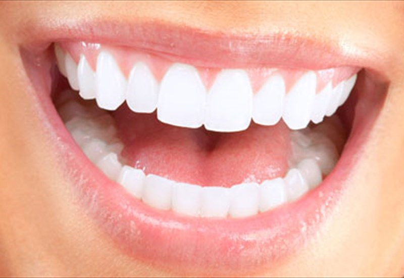 5 αναπάντεχες και βλαβερές για τα δόντια συνήθειες  7eb5b16b934