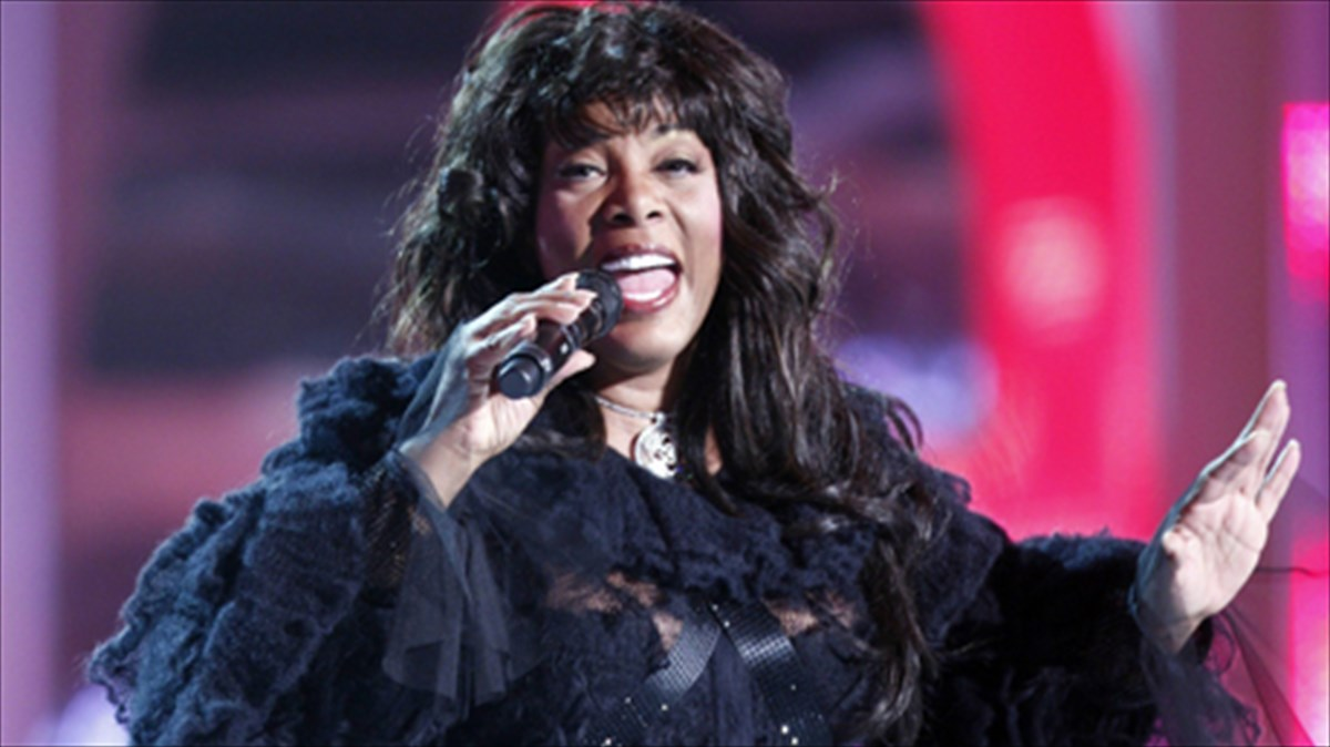 i-donna-summer-upopsifia-gia-to-rock-and-roll-hall-of-fame