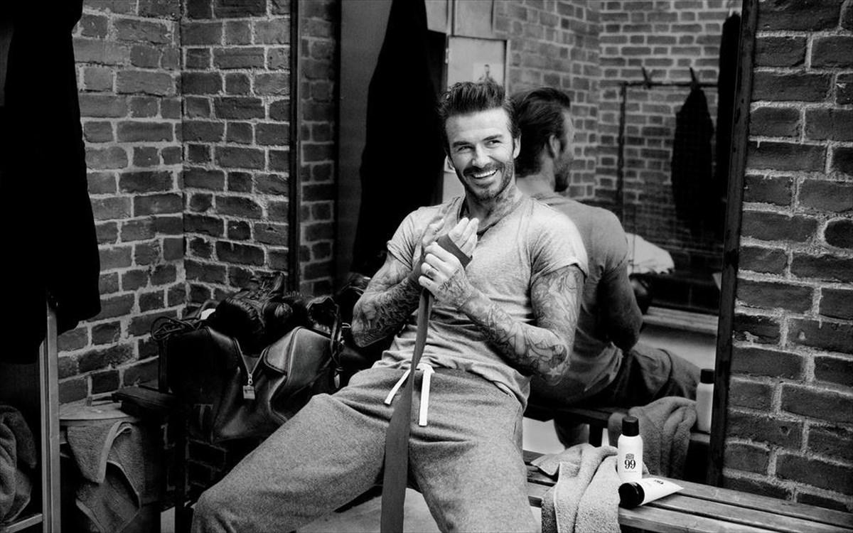 570149ebe2e Όταν ο David Beckham φροντίζει την ανδρική ομορφιά   clickatlife