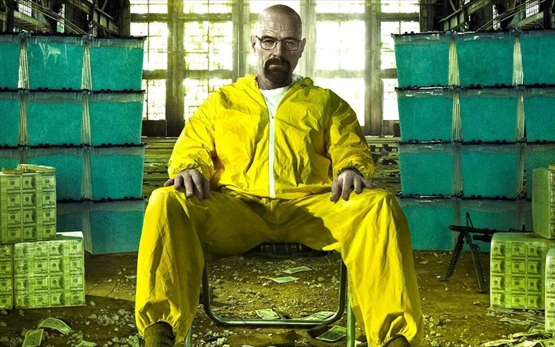 to-breaking-bad-giortazei-tin-dekati-epeteio-tou-me-ena-ksexoristo-box-sex