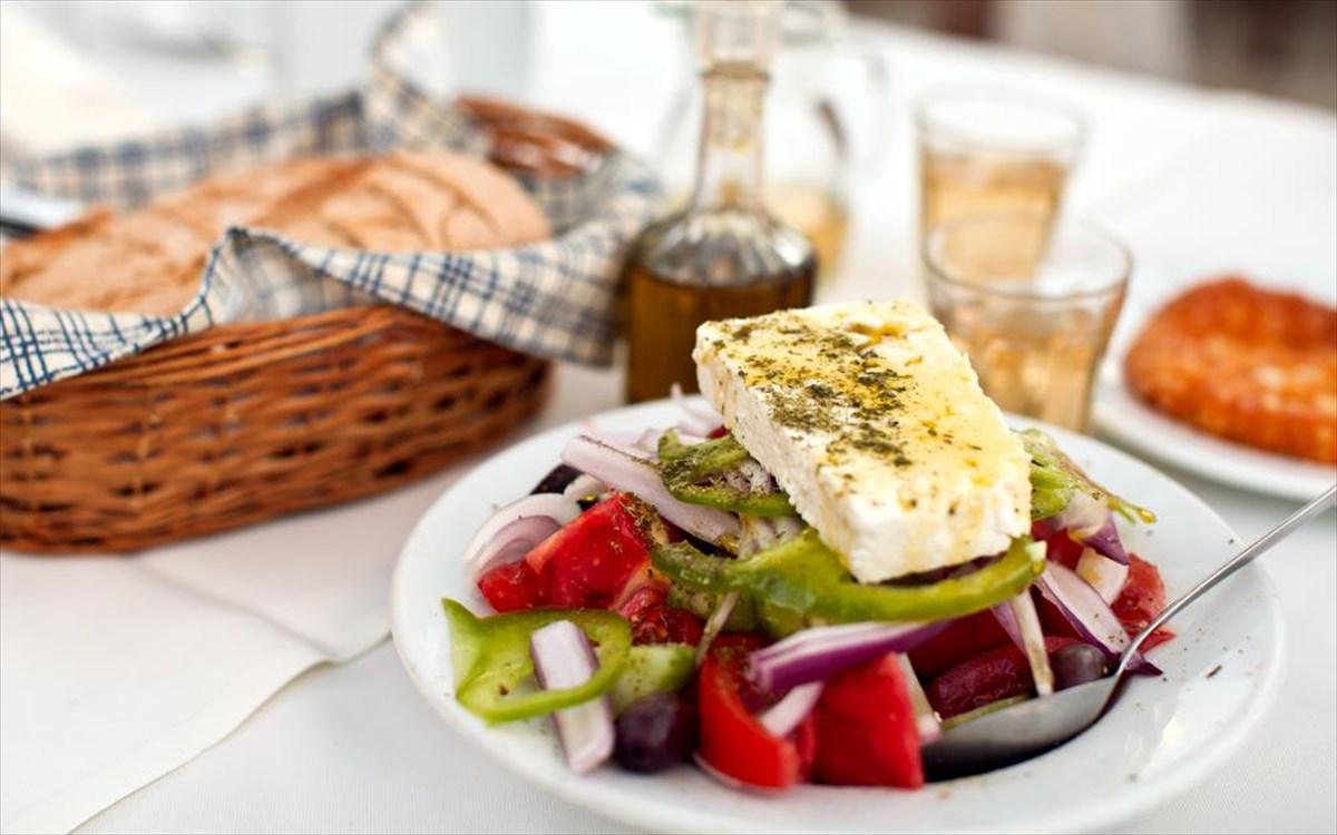 Γίνεται να παραγγείλουμε (πιο) υγιεινά σε μια ταβέρνα; | clickatlife
