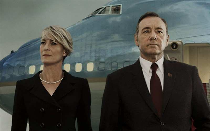 oi-senariografoi-tou-house-of-cards-eixan-polles-idees-gia-to-telos-tou-frank-underwood
