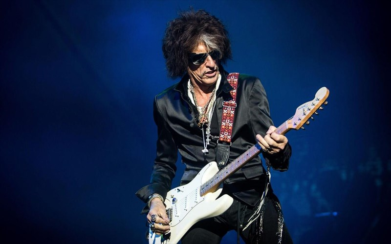 nosileutike-o-Joe-perry-ton-aerosmith-Joe-perry-ton-aerosmith