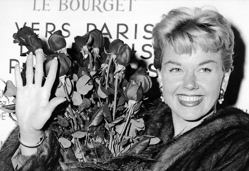 pethane-i-emblimatiki-doris-day-emblimatiki-doris-day