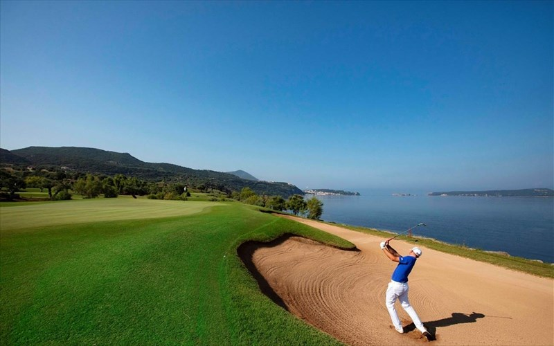 to-4o-diethnes-tournoua-gkolf-messinia-pro-am-etoimazetai-stin-costa-navarino