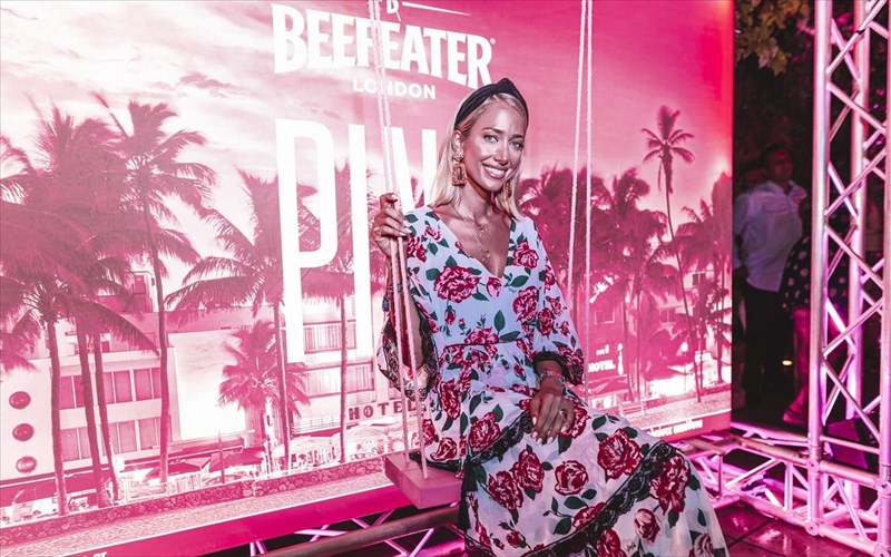 beefeater-pink-pool-party