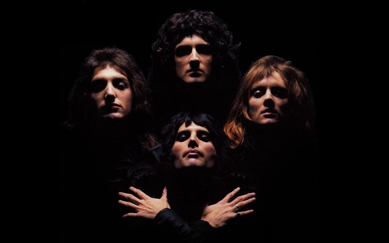 to-bohemian-rhapsody-ton-queen-kseperase-to-ena-disekatommurio-views-sto-youtube