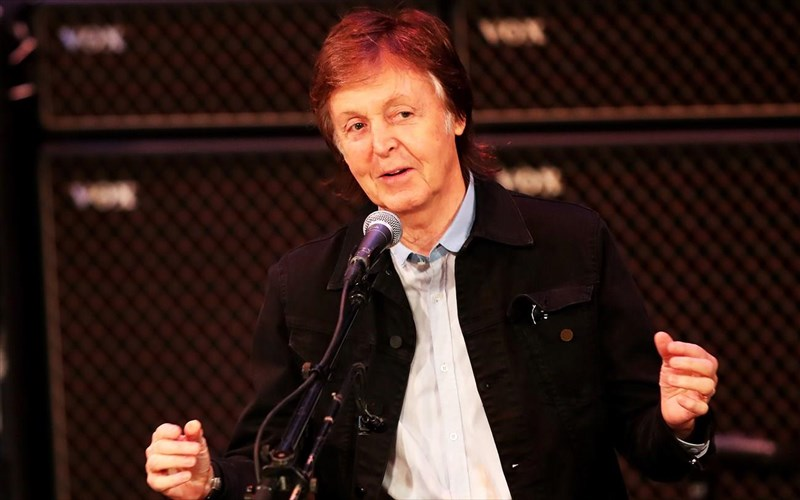 sto-mualo-tou-paul-mccartney-me-tin-boitheia-enos-video-game