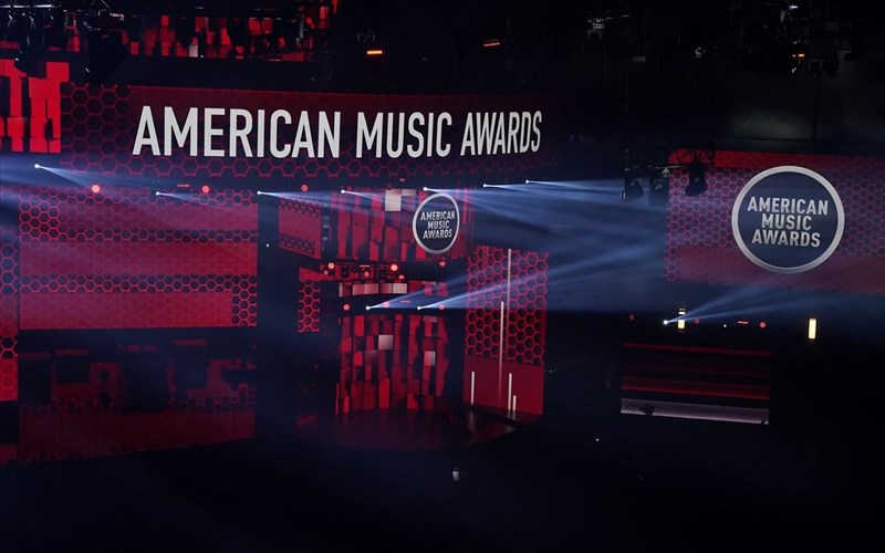 american-music-awards-2020-elampsan-taylor-swift-the-weekdn-kai-Justin-bieber