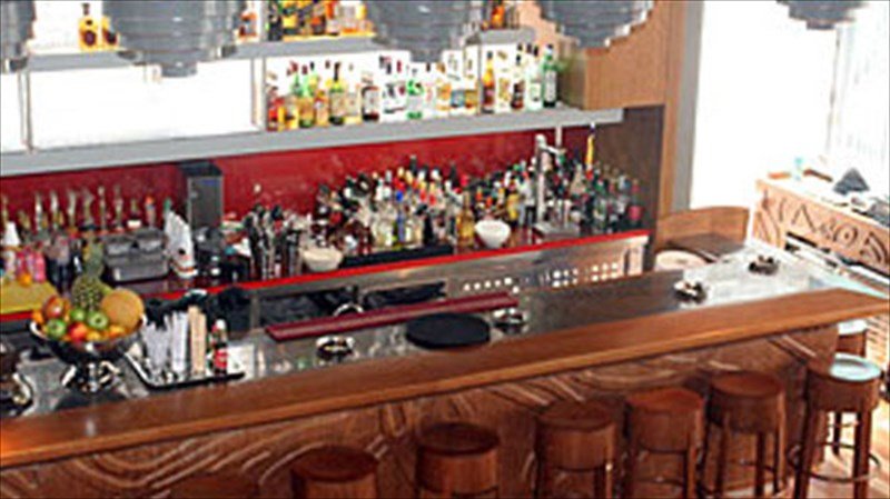 to-kitchen-bar-to-gurnaei-sti-mousiki